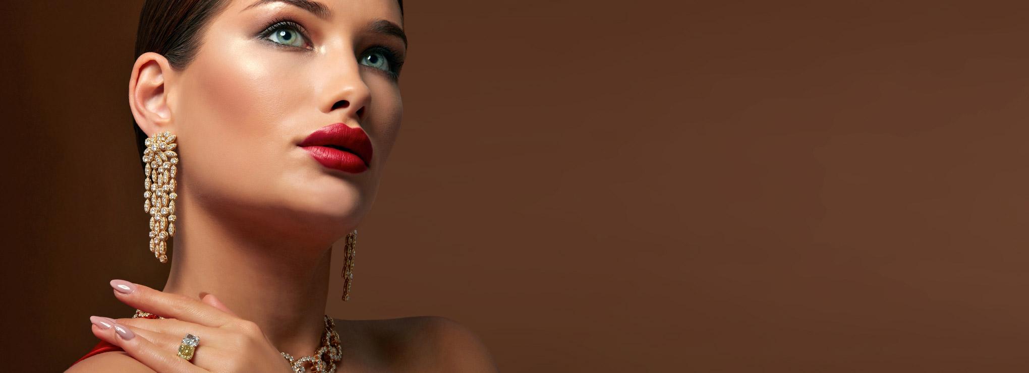 Classic and elegant earrings